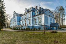 Kokoszyce - Pałac / Pałac w Kokoszycach (Wodzisław Śl.) zbudowany w 1783 r. przez Gustawa Baltazara von Czebulka. Jego ostatnim właścicielem był Gustaw von Ruffer, który rozbudował pałac w XIX w. Od 1923 r.  znajduje się w posiadaniu kurii diecezjalnej w Katowicach i pełni obecnie funkcję Archidiecezjalnego Domu Rekolekcyjnego.
