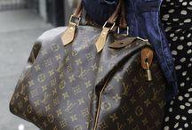 """Louis Vuitton / L'empire Louis Vuitton, célèbre marque française, a marqué le Monde de son monogramme """"LV"""" ! Aujourd'hui, ses anciennes créations sont des classiques et chaque nouveau sac est un it-bag à avoir absolument !"""