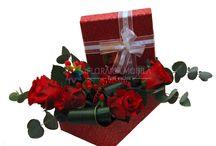 valentine's day roses / buchete alcatuite din trandafiri rosii potriviti pentru valentine's day. livrare in 2 ore prin Floraria Mobila - Florarie Online