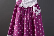 платье для девочки сиреневое в горох