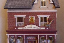 Dollhouses & Minatures