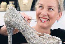 Вещи из бриллиантов / Бытовые предметы, украшенные золотом и бриллиантами