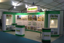 Brilliant Modular Display / Showcase of The Phi Displays Portable Architecture Modular Pop Up System. The system has a low carbon footprint and low cost of ownership. The system is available for hire and purchase.