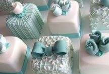 Mini cakes / petit fours I Like