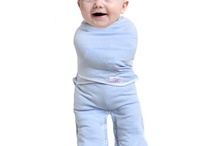Convertible Swaddling Suit / Bondi Booti's Convertible Swaddling Suits can be changed to be a jumpsuit or a sack style suit.