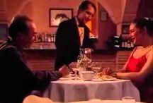 En un restaurante / recurso para hacer un drama sobre pedir en un restaurante