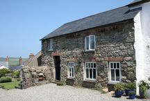 Bwthyn Lil for Four / Bwthyn Lil, sleeps up to four in two double bedrooms and has a balcony with lovely views across to Carn Llidi, the Cathedral Bell Tower and the sea.