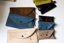 Portfele damskie / Różne rodzaje portfeli damskich ze skóry naturalnej.