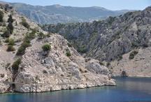 Bay Zavratnica Croatia / Zatoka Zavratnica leżąca u podnóża gór Velebit w Chorwacji