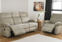 Recliner Sofas / These Recliner sofas range is known for having tantalizing looks and has proven to be a great option for those planning to newly decorate their living space.