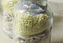 Disaster Preparation Food Ideas / Recipes and ideas of foods to cook during and after a disaster.