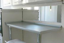 white kitchen / white kitchen mirror in kitchen