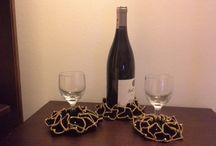 Coaster kadeh altlığı / 4 renk seçeneği ile 3 lü takim şişe 2 kadeh