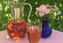 Te / Underbart gott i sommarvärmen! Läs mer här: http://www.tynderokryddbod.se/kryddnytt-teer/lite-om-r%C3%B6tt-te