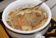 Soups, Stews and Chilis / by Mary Hanni