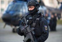 Polizei/ Taktik