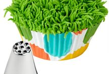 golf cup cakes