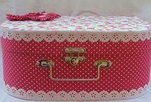 maletas , caixas e gaveteiros