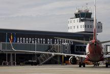 Aeropuerto de Asturias / El aeropuerto de Asturias se encuentra situado en el término municipal de Castrillón, a 15 kilómetros de Avilés, 40 de Gijón y 47 de Oviedo.