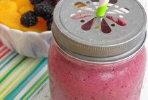 Smoothie Recipes / Recipes of smoothies I'd like to try! / by Paula B. 💞