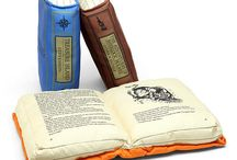 Bookish things  / Things related with books