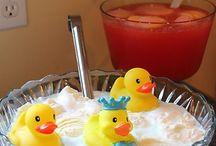 Baby Shower & Gender Reveal Party Ideas / by Hilary Danek