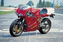 Motorbikes of the ninetees / Motoren uit de periode 1990 t/m 1999
