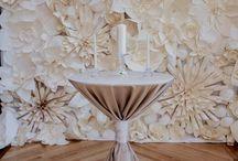 бумажные цветы и помпоны