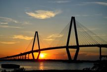 Charleston Adventures + Things To Do / Charleston, South Carolina is one of the top outdoor adventure destinations in the Southeast. Whether fishing, kayaking, standup paddleboarding, golfing, hiking, running or biking, there is something for everyone to enjoy in the great outdoors near Charleston.