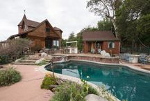 Best Pools for 4th of July / All over the country, warm summer pools await you for a 4th of July weekend getaway.   / by Airbnb