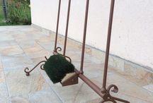 Portastivali - Boot Holder / Portastivali realizzati a mano in ferro battuto, per 2 o 4 paia di stivali. Realizzato per esterni in ferro zincato e verniciato a polvere, ogni portastivali è unico e viene creato su ordinazione.