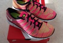 Nike Free Flyknit / Toutes les Nike Free Flyknit sont chez The Social Sneaks. Achetez et Vendez vos sneakers.