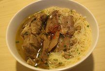 Kero's recipes / Anyone can cook (Ratatouille, 2007) . Me too (Vân kero, 2014) :D  Nấu ăn là một trong những việc làm mình cảm thấy hạnh phúc