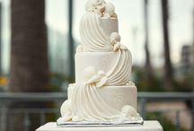 Cake displays / by Linda Mashni