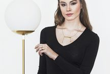 Collection Paris Confidentiel / APIYA propose à plusieurs artistes de dessiner une collection de bijoux inspirée de son Paris Confidentiel. C'est un hommage à Paris comme ville porteuse d'histoire et de rêve, hétéroclite, cosmopolite, nourrie de ses richesses culturelles.