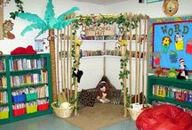 Library Display - Jungle