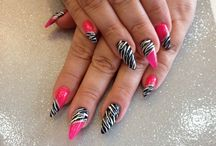 Stiletto Nails / How to Do Stiletto Nails DIY with Costs and beautiful black, white, red and matte stiletto nail designs for inspiration, from small to long stiletto nails. - http://beautifieddesigns.com/stiletto-nails/