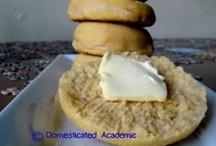 Breads & muffins / by Savanna Skiles