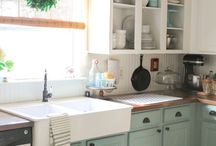 Paint your kitchen with Annie Sloan!