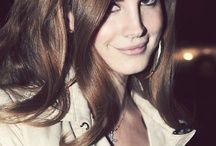 Lana Del Rey <3 / I adore her. <3 She's absolutely stunning & soo talented.