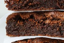 Brownies and Bars / by Bake Happy