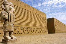 Cidadela de Chan Chan / Chan Chan es una ciudad precolombina de adobe, construida en la costa norte del Perú, en Trujillo, por los chimúes. Considerada  la ciudad de adobe más grande de América Latina1 y la segunda en el mundo. #viajes #Trujillo