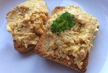 Vegetarische spreads, salades en soepen van NL bloggers / Wil je hier pinnen en ben je nog niet uitgenodigd? Stuur dan even een persoonlijk berichtje via de Facebookpagina van Lekker eten met Marlon of via Instagram.   Er zijn een paar regeltjes om het bord overzichtelijk te houden: A)- Plaats alleen Nederlandstalige recepten.  B)- Plaats geen dubbele pins.  C)- Plaats alleen pins van vegetarische toast salades (spreads), salades en soepen.