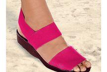 Topánky / Topánok, tých nikdy nie je dosť. A čo keď sú za skvelé ceny! Najlepšiu štýlovú obuv nájdete v našom e-shope :-)