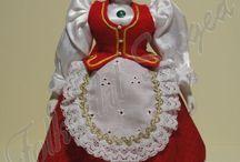 Hungarian folk costumens / Népművészeti ruhák bemutatása