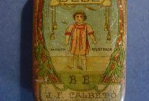 Cajas de lata antiguas