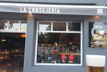 La Consejería / Gastrobar inaugurado en junio de 2016 situado en el número 11 de la calle Guillermo Estrada de Oviedo, junto al edificio Calatrava y frente al Colegio Público Baudilio Arce.