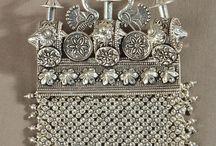 silver jewellery / Via jaypore