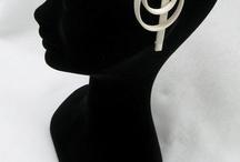 Qualcosa tra i capelli : gli accessori di Rigorosamente Sposa / Gli accessori creati da Rigorosamente Sposa per Couture Hayez, sono realizzati a mano e personalizzati per ogni tipo di acconciatura ...