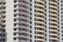 Apartemen / Apartemen sebagai tempat tinggal akhir-akhir ini semakin diminati, terlebih bagi masyarakat kelas menengah keatas. Bukan hanya sebagai hunian yang layak dan nyaman, apartemen sudah menjadi gaya hidup kaum urban.  Unit apartemen yang tersedia di kota-kota besar seperti Jakarta, Bandung, Surabaya, Semarang, Medan, dan lain-lain. Pada umumnya bisa di beli atau disewa.  #apartemen #tipsapartemen #sewaapartemen #beliapartemen